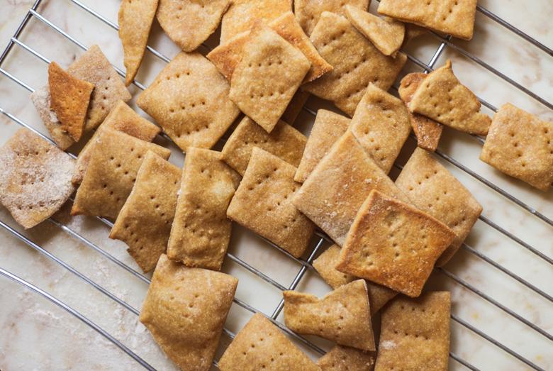 crackers-baked-overhead
